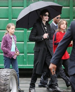 Michael Jackson with his children