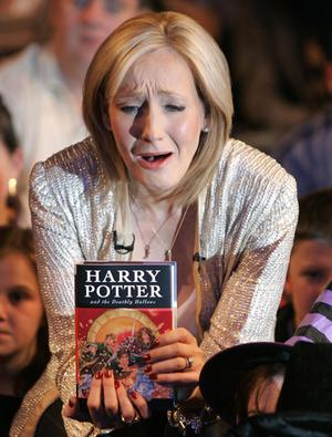JK Rowling trying to get some attention, but for what ?