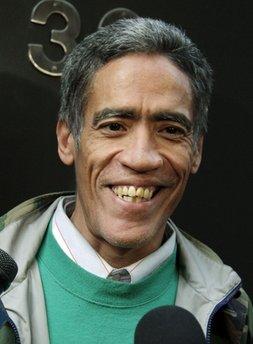 Internet makes homeless man a star!