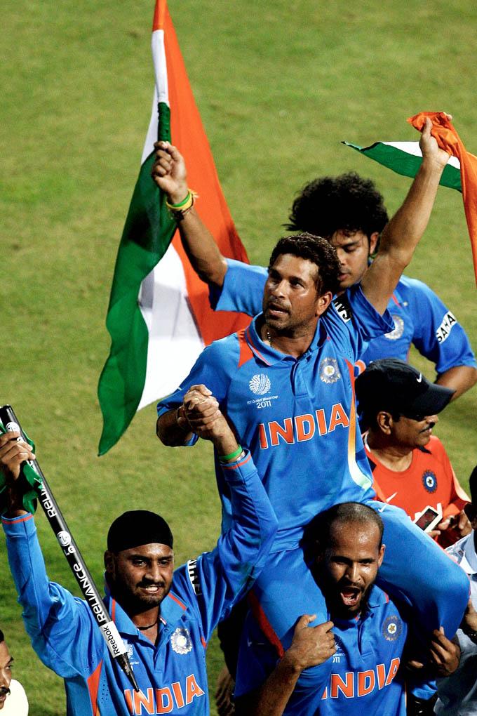 Indian Team Celebrating World Cup 2011 Photos Thfirecom