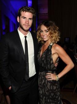 Miley Cyrus & Liam Hemsworth Engaged!