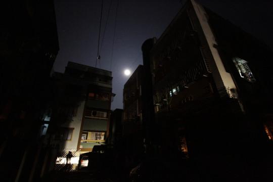 India blackout worsens; 620M in dark
