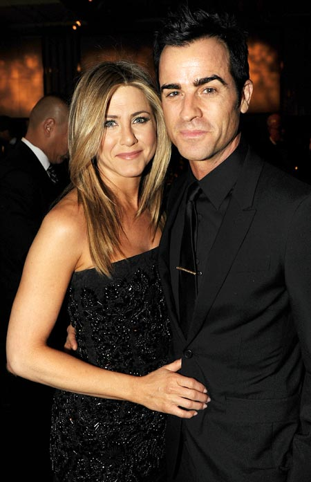 Jennifer Aniston Engaged To Marry Justin Theroux