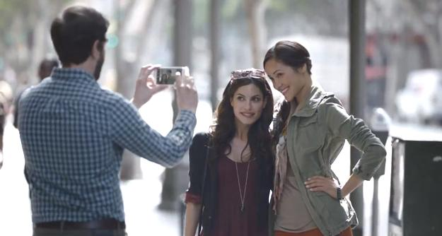Samsung pokes fun at Apple devotees again in latest TV ad (for the Galaxy S3)