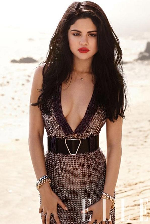 Selena Gomez Hot & Sexy in 'Spring Breakers'