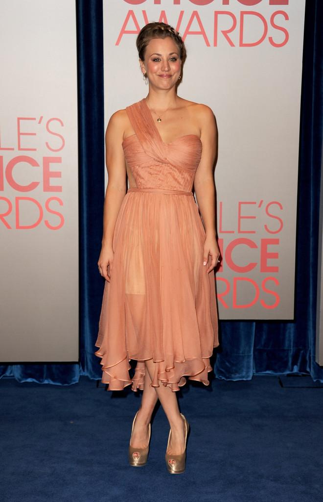 Kaley Cuoco to Host 2013 People's Choice Awards