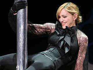 Madonna Booed for Encouraging Audience to Vote for Obama