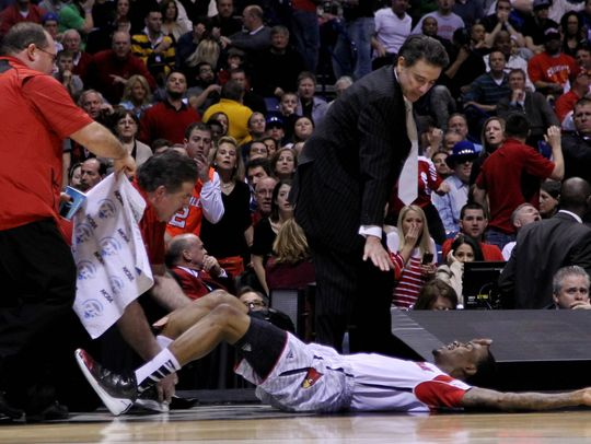 Kevin Ware Leg breaks