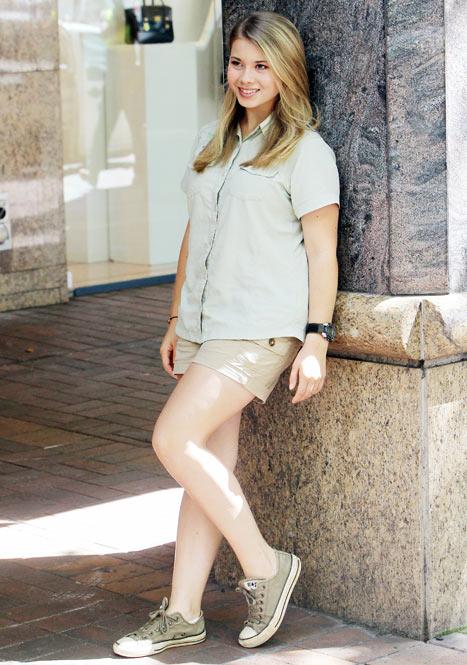 Bindi Irwin, Crocodile Hunter Steve Irwin's Daughter, Looks All Grown Up at 14: Picture