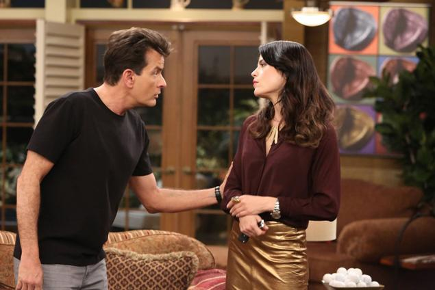 Charlie Sheen & Selma Blair in Anger Management
