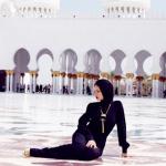Rihanna-Hijab-Abu-Dhabi3