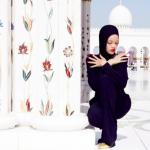 Rihanna-Hijab-Abu-Dhabi4