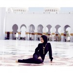 Rihanna-Mosque-Photo3