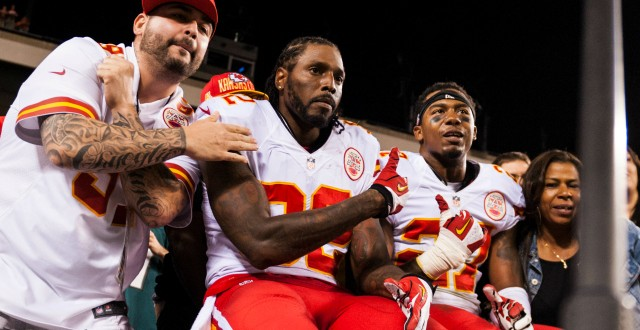 Dwayne Bowe to Play Against Broncos Despite being Arrested