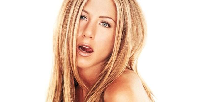 Jennifer Aniston throws star-studded Christmas party