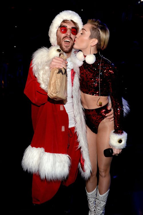 Z100 Jingle Bell Miley Cyrus - Photos