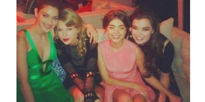 Hailee Steinfeld, Taylor Swift & Sarah Hyland Parties at Golden Globes Bash